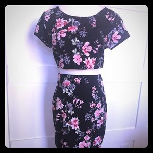 Floral set: cropped top & pencil skirt